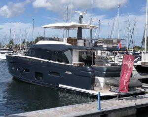 Azimut- Navis Yachting